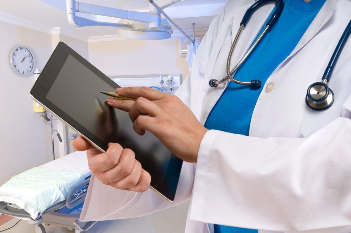 Как врачу защитить свой планшет от повреждений?